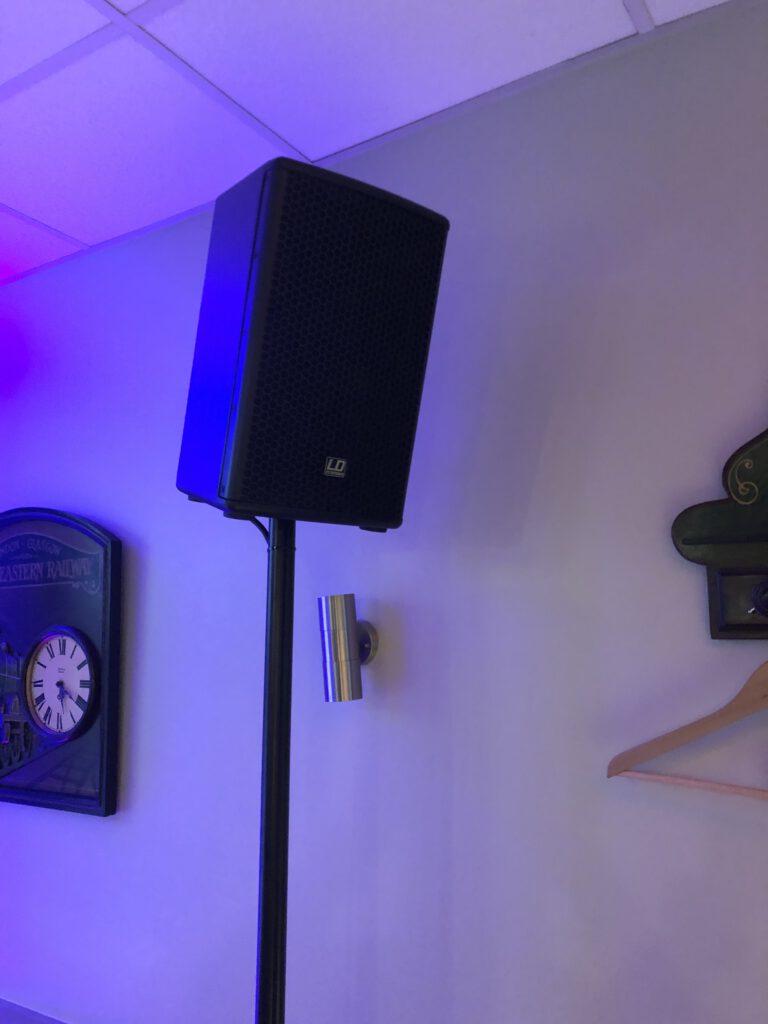 Lautsprecheranlage von LD-SYSTEM, für kleinere Veranstaltungen bis 80 Personen